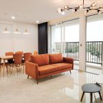 Nhương gấp căn góc 3PN đầy đủ nội thất giá 5 tỷ, DT 83m2 – Chung cư Orchard Parkview